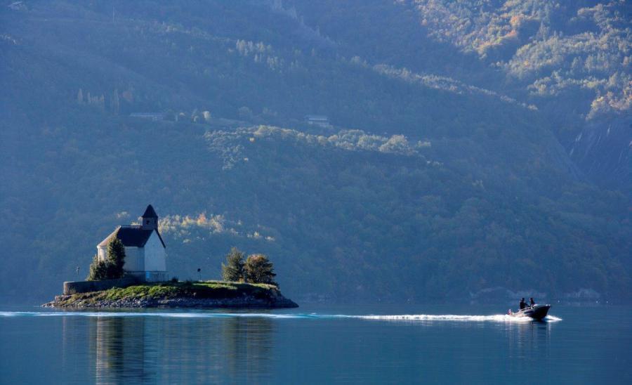 Lac Serre Poncon : Camping alpes dauphiné